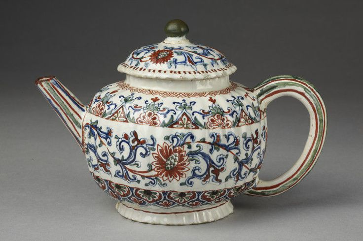 1700-1775 Dutch Teapot at the Victoria and Albert Museum, London