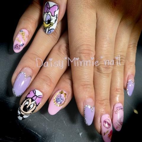 daisy and minnie nails