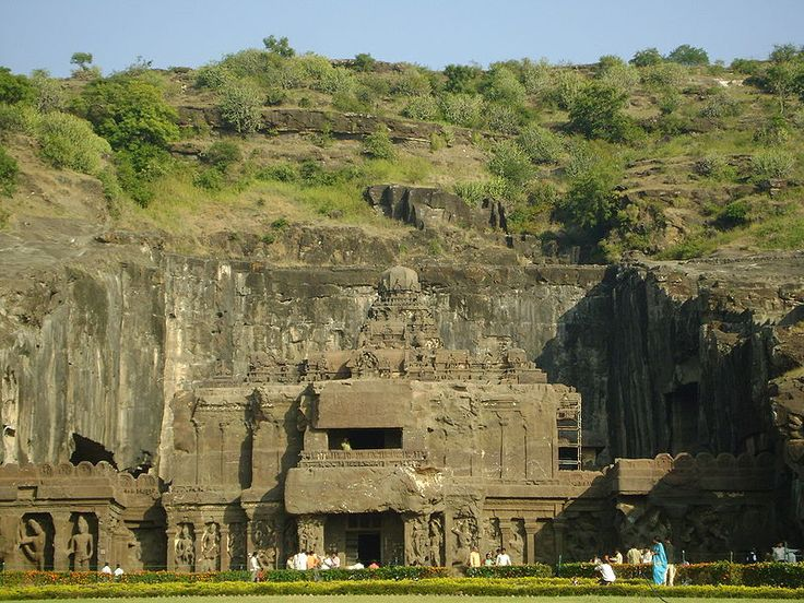 Kailash Temple (Cave 16) in Ellora Caves - Kailasa temple, Ellora - Wikipedia, the free encyclopedia
