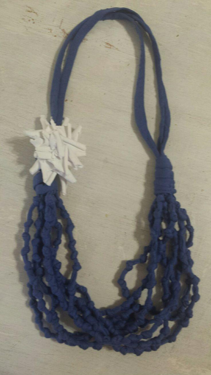 Collana in fettuccia di cotone con inserto di stoffa