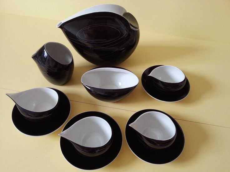 Lubomit Tomaszewski was a sculptor but was employed by the Institute for Industrial Design in Warsaw in 1956 to design ideal ergonomic forms for tea and coffee ware in 1956. He designed 2 tea sets tha