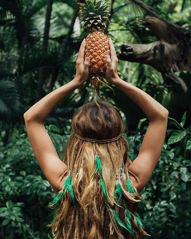 #boho #dreadhead #dreadlocks #dreadstyle #dreadgirls #dreads #bohemian #gypsystyle #gypsy #hippie #headband #pineapple #thailand #kohphangan #fruits #phangan #дредлоки #дреды #хиппи #бохо #бохошик #волосы #перо #перья #ананас #feather #панган #копанган #Таиланд #остров