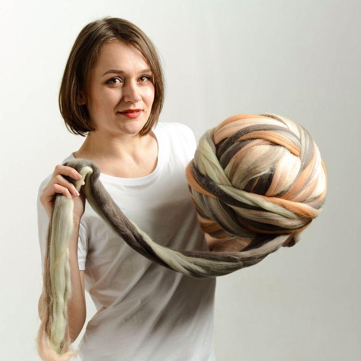 Super grosse laine, laine Merino, gros fil, fil encombrant 18 microns, laine mérinos extrafine par bloisem sur Etsy https://www.etsy.com/ca-fr/listing/294275655/super-grosse-laine-laine-merino-gros-fil