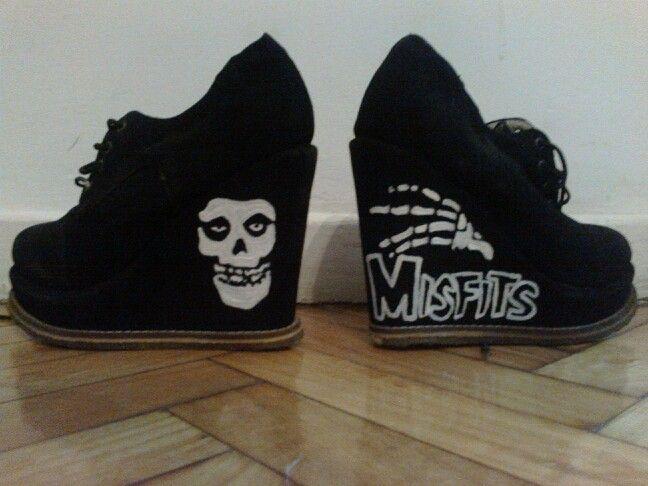 Misfits shoes diy