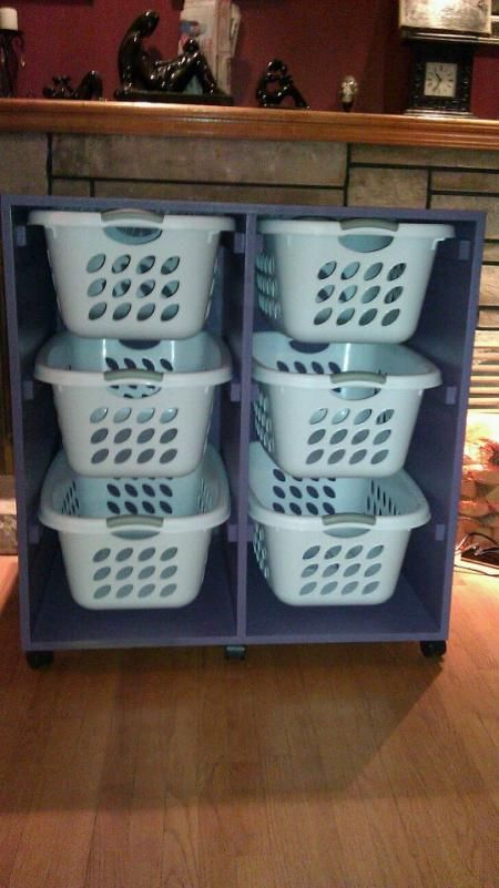 I love this idea as possibly toy storage... and I really really like the castors on this one :)