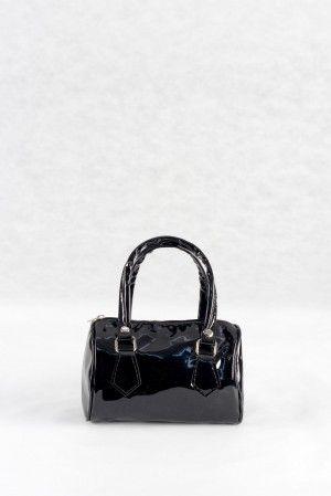 8,00€ Τσαντάκι χειρός μαύρο, υφή λουστρίνι.  Νεανικό τσαντάκι μπαουλάκι.