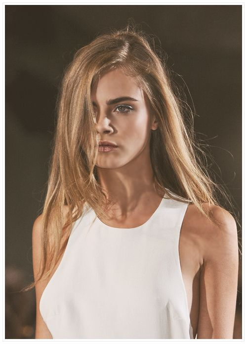 Cara Delivigne in white. She does no wrong.