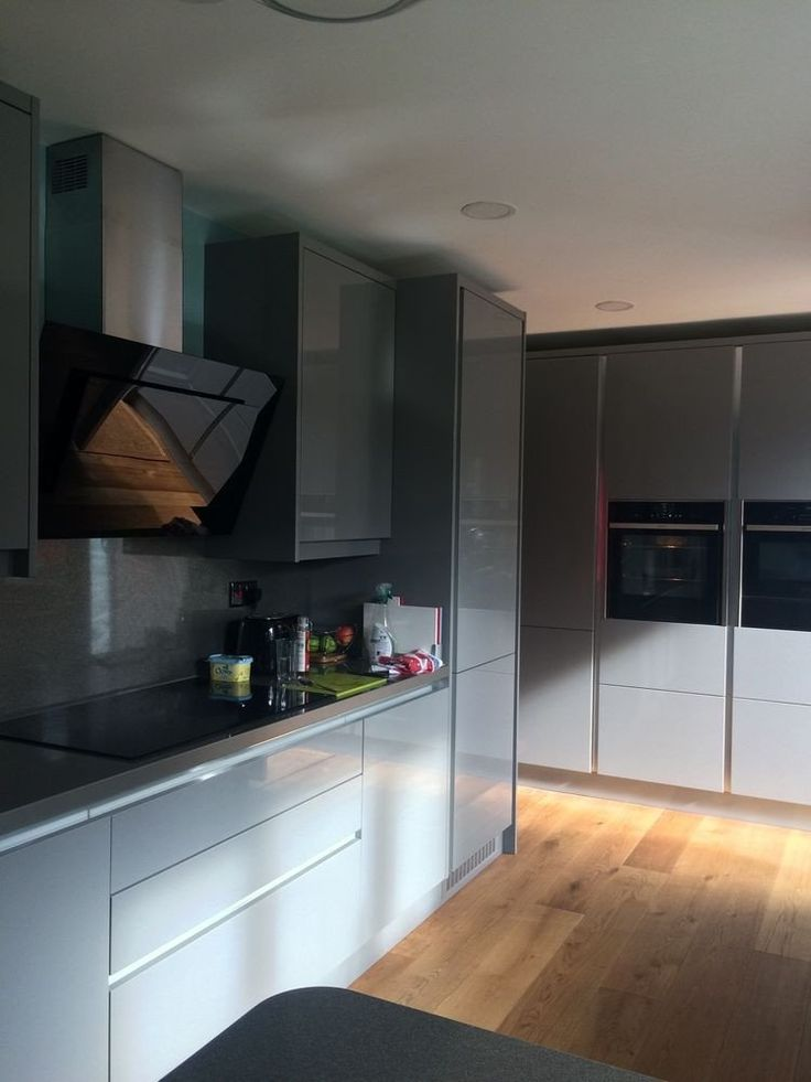 High Gloss Kitchen Cabinets Diy Wren Linea Linda Barker ...