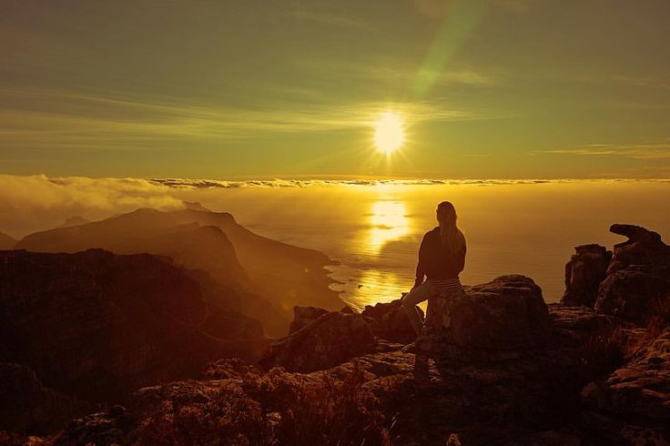 "5,796 Synes godt om, 30 kommentarer – Jerome Duran (@jeromeduran) på Instagram: ""Saying goodbye to another day 🌅 @angelcandices ...Sunset on Table Mountain, Capetown, South Africa…"""