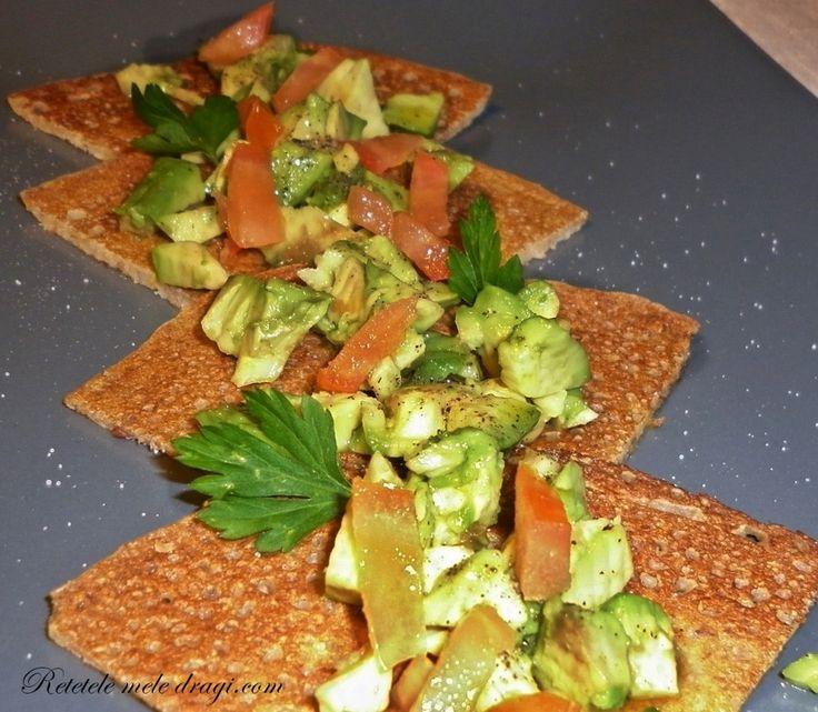 Clatite cu in si salata de avocado