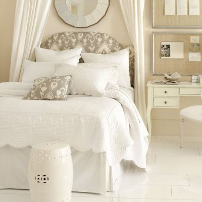decorology: Bedroom love for a better Monday