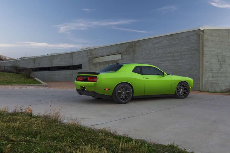 2015 Dodge Challenger RT - Provided by MotorTrend