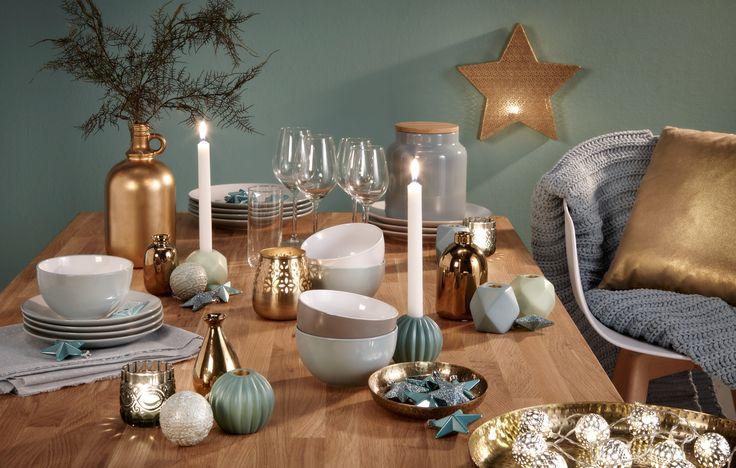 Tijdens de feestdagen is het extra fijn om de tafel mooi aan te kleden. Maak er een gezellig geheel van met goed servies, fijne glazen en sfeervolle decoratie. Aan tafel! Bekijk hier onze tips > #kwantum #feestdagen #tafeldecoratie #eetkamer #kerst #woonkamer