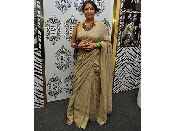 Neena Gupta was also caught sporting a handloom cotton saree. The actress paired her saree with a statement chunky jewellery. She wears handloom- Do you?  GiftPiper.com- Proud to supporting handlooms and handmade textiles of India.#shewearshandloom