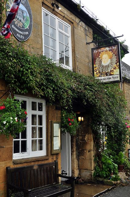 Queen's Head Inn in Stow-on- the-Wold, Cotswolds, England, UK, the Capt I were here in 2009..