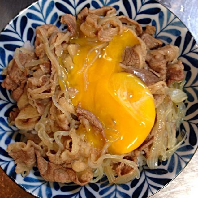 撮影しようとしているうちに卵が割れて… (´Д` ) - 5件のもぐもぐ - 牛丼(*・∀・*) by kinokonoa
