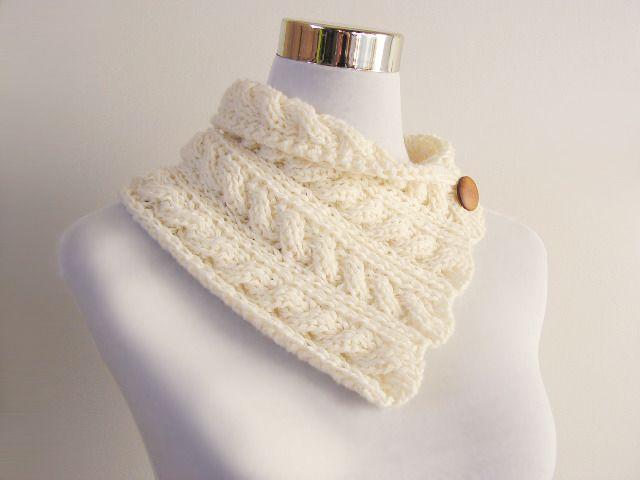 col en laine tour de cou cru torsades et bouton en bois tricot main echarpe foulard. Black Bedroom Furniture Sets. Home Design Ideas