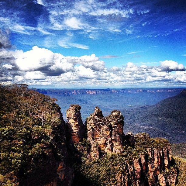 Blue Mountains near #Sydney #Australia by madamatt (instagram)
