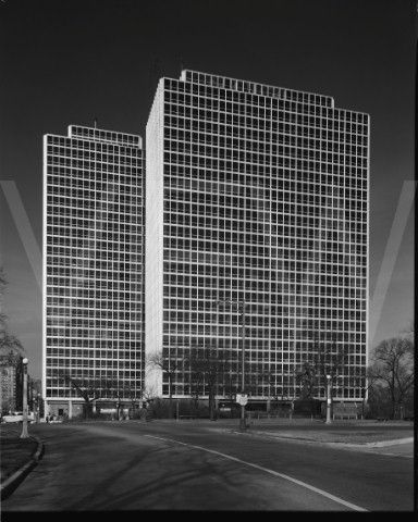 Mies Van Der Rohe - Commonwealth Promenade Apartments