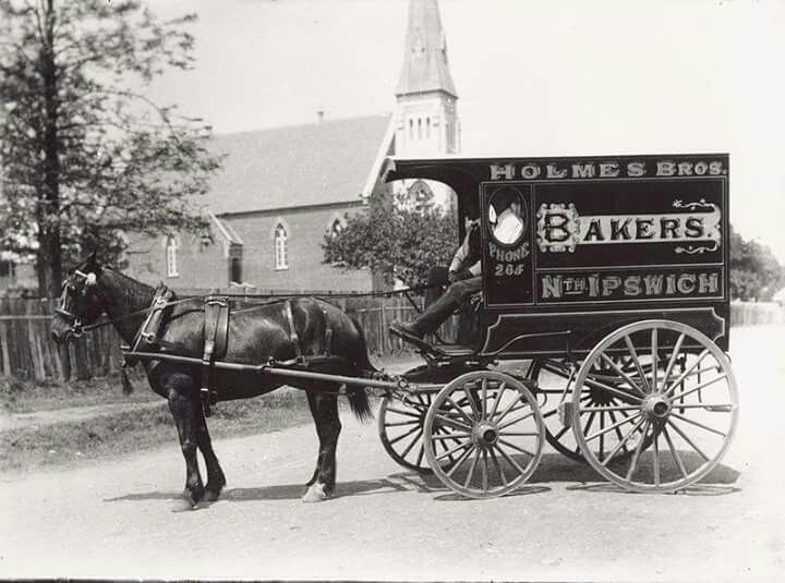 A bakery delivery wagon in Queensland, Australia.1900