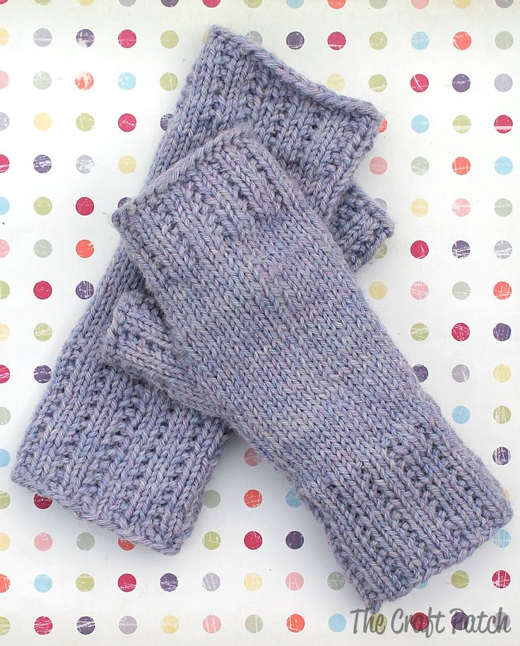 Fingerless Mitts Worsted Weight Yarn Project from the Craft Patch