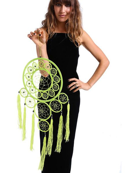 GIANT magical dream catcher for your bedroom and fairy dust for your gypsy-princess-slumber <3