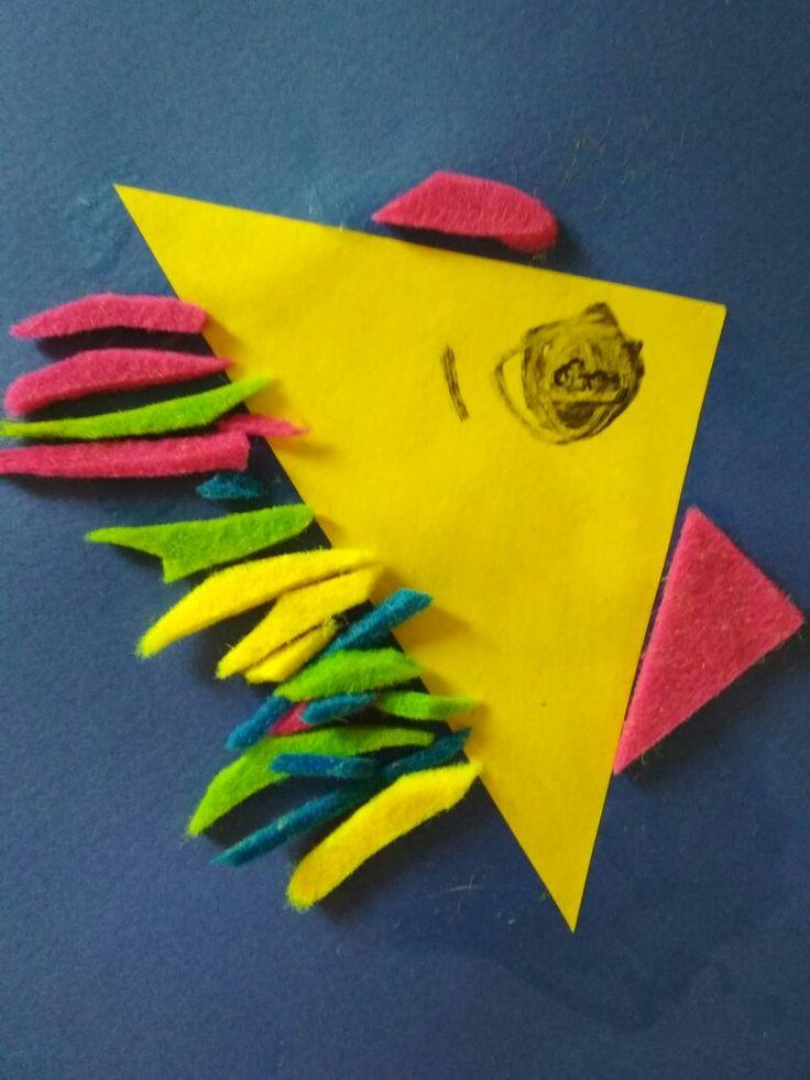 Рыбка. Аппликация из бумаги и фетра. Сделано детьми 4-х лет.