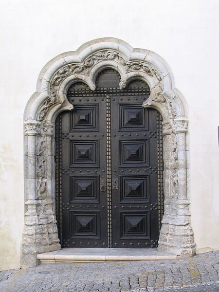 Portal lateral Igreja N. Sra. da Assunção / Portal Old Cathedral, Elvas #Alentejo #Portugal
