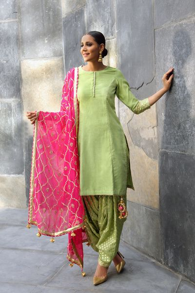 friend of the bride, light green suit, patiala suit, hot pink dupatta, gold gota work
