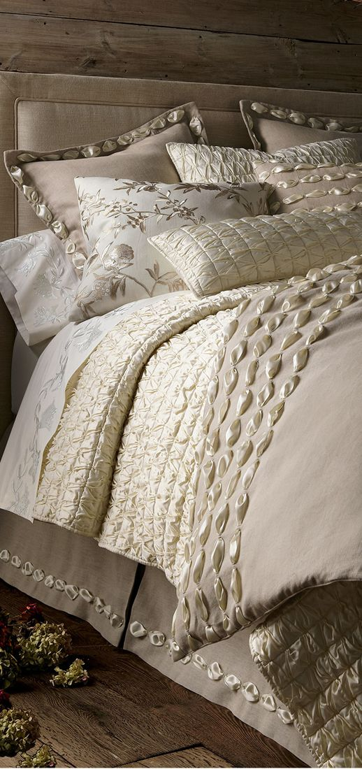 Trim on duvet and skirt I Dransfield & Ross