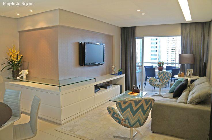 Sala De Estar E Sala De Tv ~ Movel de tv com detalhe em vidro que serve de aparador para sala de