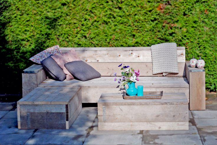 Loungeset | bank met 2 hockers in te zetten als bank of als tafel. Zo maak je in een hand omdraai van een lounge bank, een hoekbank, u-bank of zelfs een bed!