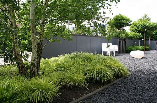 Meer dan 1000 idee n over minimalistische tuin op pinterest modern tuinontwerp moderne tuinen - Tuin decoratie met kiezelstenen ...