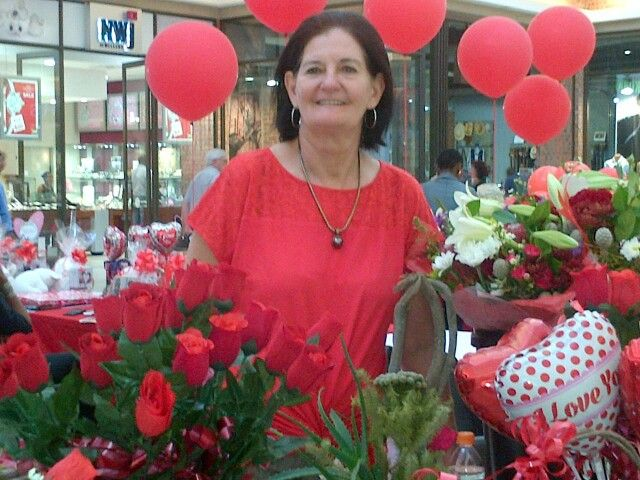 Marita Hattingh from Azalea Florist... We have beautifull fresh flowers and Valentine's Day goodies available to your hearts delight. You can visit us at the Middelburg Mall Valentine's Day Market in the Woolworths court or simply visit us at Azalea Florist next to Pick n Pay. Only 1 more day left to enter the Azalea Florist - Valentine's Day Competition 2016. Good luck to all entries. Happy Valentine's Day to everyone from all of us at Azalea Florist.
