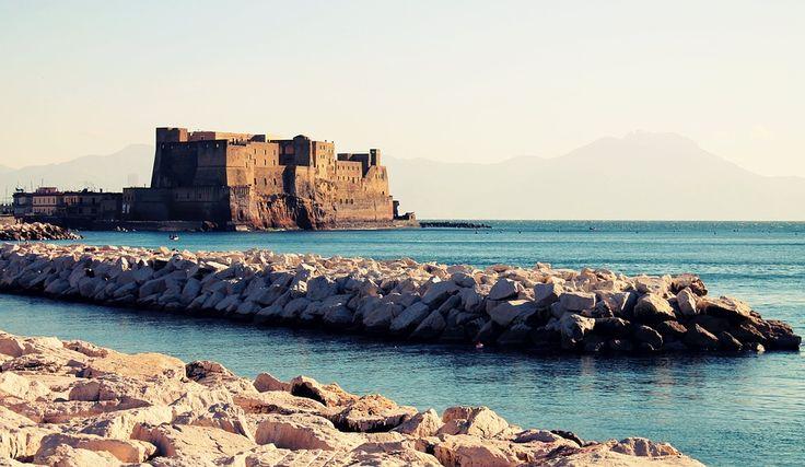 7 Castelli da vedere in Campania per una passeggiata nella storia e nella cultura della nostra regione. Da Napoli all'Irpinia passando per Benevento,