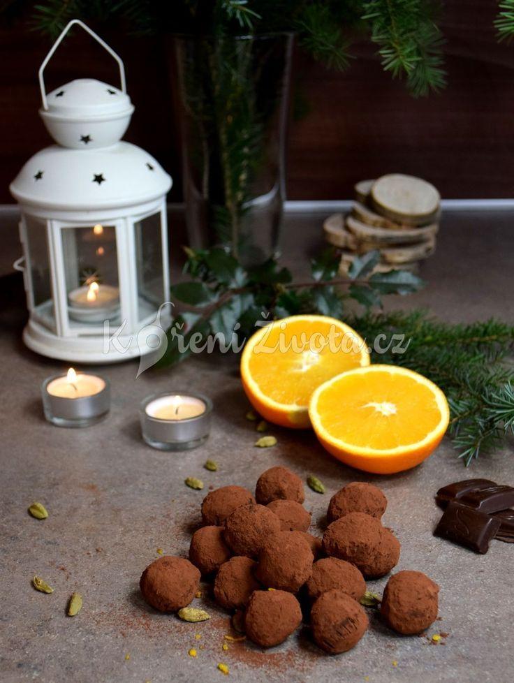 Recept na truffles z hořké čokolády s pomerančem a kardamomem