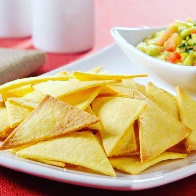 BISCOITO CROCANTE DE MILHO TIPO NACHOS INGREDIENTES 1 xícara de farinha de milho…