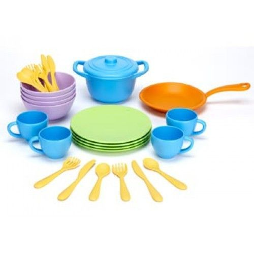 Young chefs can concoct and serve make-believe culinary treats that have real benefits for the earth with the world's greenest cookware set. Like all Green Toys products, our Cookware and Dining Set h