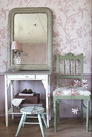 Laura ashley wallpaper in chalk pink just got this for my bathroom yippee