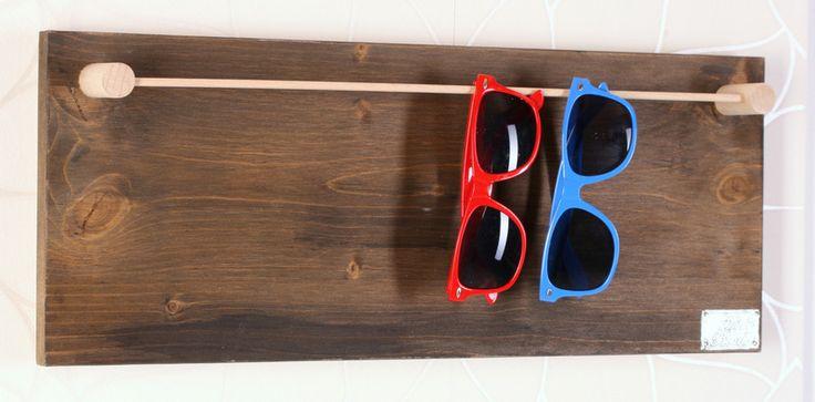 """HappyBoard Brillenhalter """"ANTIK"""" von HappyBoard auf DaWanda.com"""