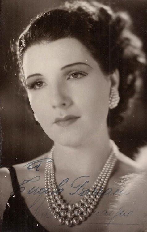 Muchos artistas que trabajaron con Rosita Fornes en la Epoca de Oro del Cine Mexicano y en otras partes del mundo ademas de Cuba.