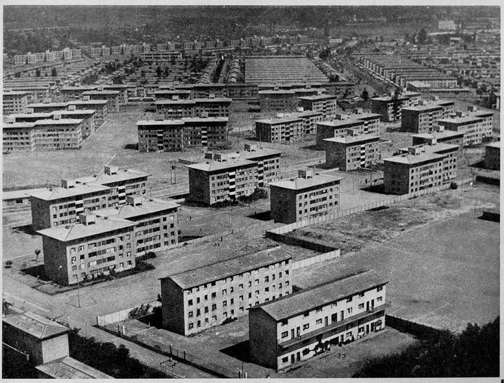 arquitectura institucional, propuesta incidental y definición de la forma de la vivienda