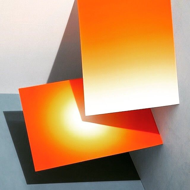 Eclectic orange #minimalmood #minimalplanet #monday #minimalhunter #minimalista #minimalismo #art #lessismore #simpleandpure #architecture #architexture #urban #design #minimal #architecturelovers #lines #archilovers #archidaily #composition #geometry #geometric #electronics #technology #electronic #onlygoodvibez