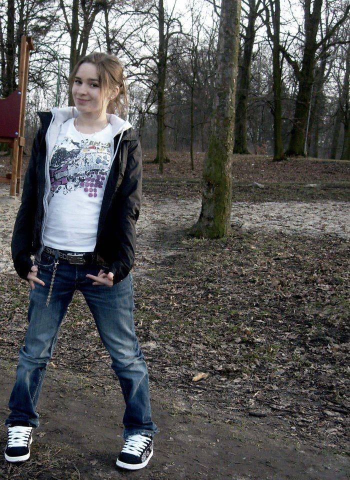Ewelina Lisowska, 2007 (singer)] https://www.facebook.com/Lisowska.Ewelina?fref=ts