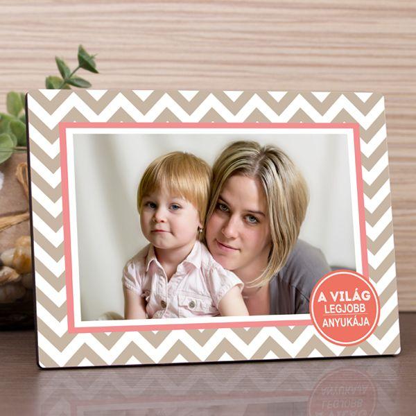 Közeleg az Anyák napja vagy születésnapra keres ajándékot? Ha így van, akkor Önnek ajánljuk ezt az egyedi fényképes fotópanel, mellyel csodálatos meglepetést szerezhet az édesanyjának. A fényképes fotópanel anyaga fa, felülete fényes, mérete 17,7x13cm, vastagsága 6mm.