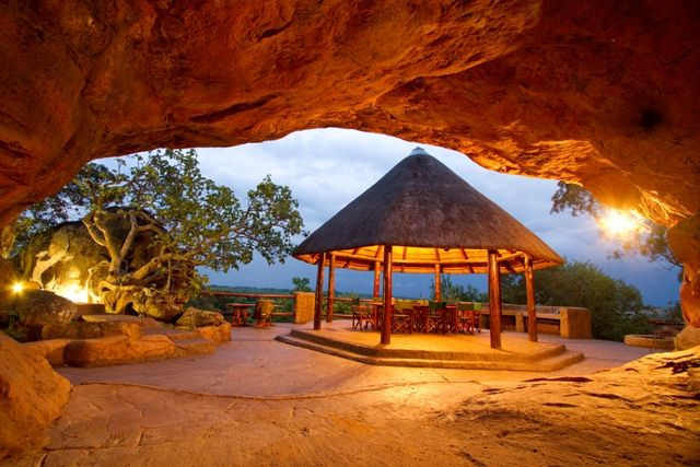Monate Conservation Lodge. Photo by Villiers Steyn.