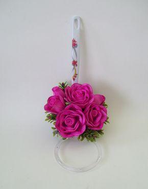 Porta Pano de Prato decorado com arranjo de flores em eva. Pano de prato não incluso no enfeite , caso deseje será cobrado à parte.