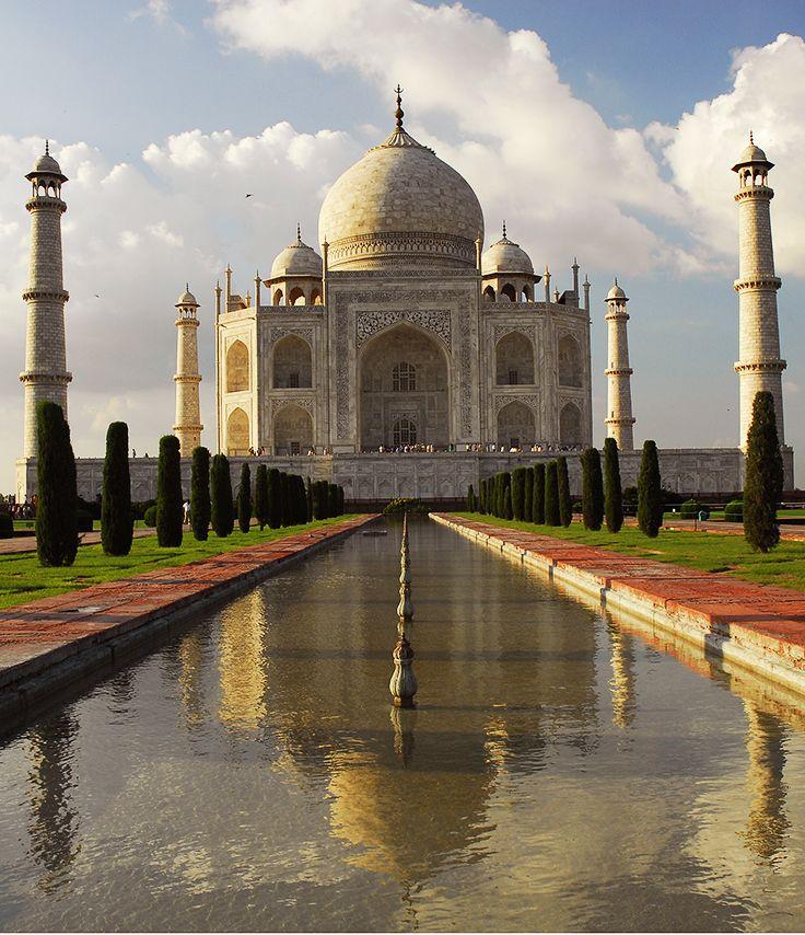 El Taj Mahal: una de las 7 maravillas del mundo moderno. http://escapadafindesemana.org/