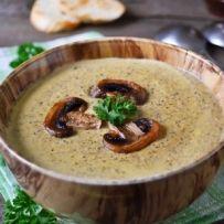 Sappige rollade met champignons in een heerlijke mosterd-roomsaus, om je vingers bij af te likken!
