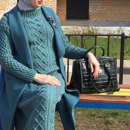 Купить или заказать Вязаное платье в интернет-магазине на Ярмарке Мастеров. Элегантное платье ручной работы. Подходит под все фигуры. Такое платье пригодиться и прохладным летом и зимой. Стоимость зависит от длины и размера, а также от марки выбранной пряжи.